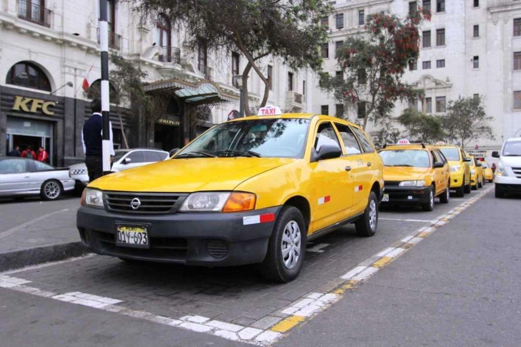 taxis en peru
