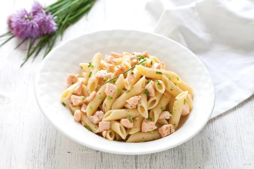 Ricetta Penne al salmone e panna  Cucchiaio dArgento