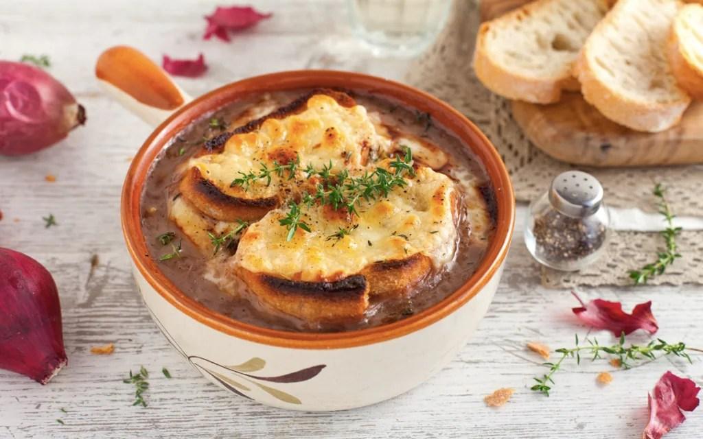 Ricetta Zuppa di cipolle alla francese  Cucchiaio dArgento