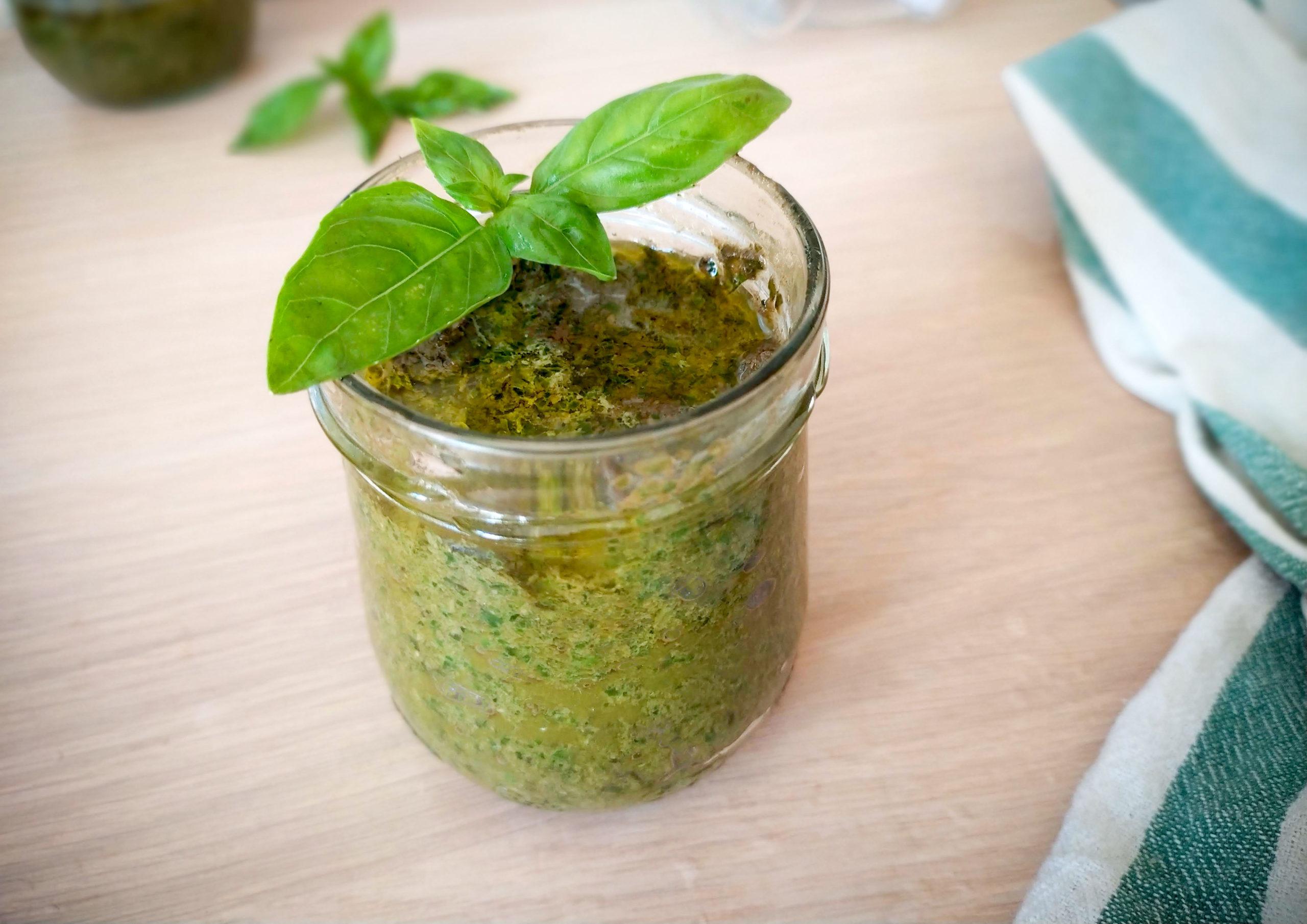 Basil Pesto alla genovese sauce