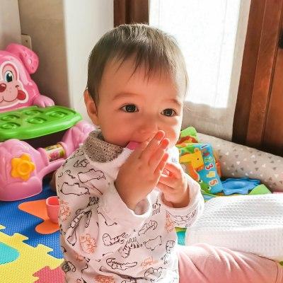 Dentizione da latte: bavaglino neonato silicone