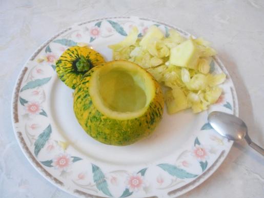 Zucchine tonde ripiene di crema e fichi secchi