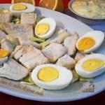 Baccalà lesso in salsa di uova sode