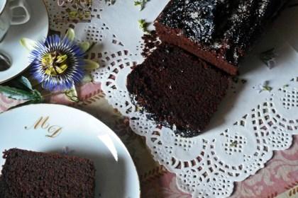 Plumcake all'acqua con cioccolato e fondi di caffè