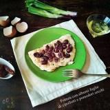 Frittata di albumi foglie di cipollotti e pomodori secchi