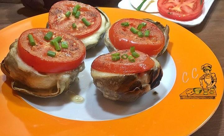 Carciofi alla mozzarella e pomodori