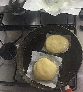 Bomboloni fritti e al forno