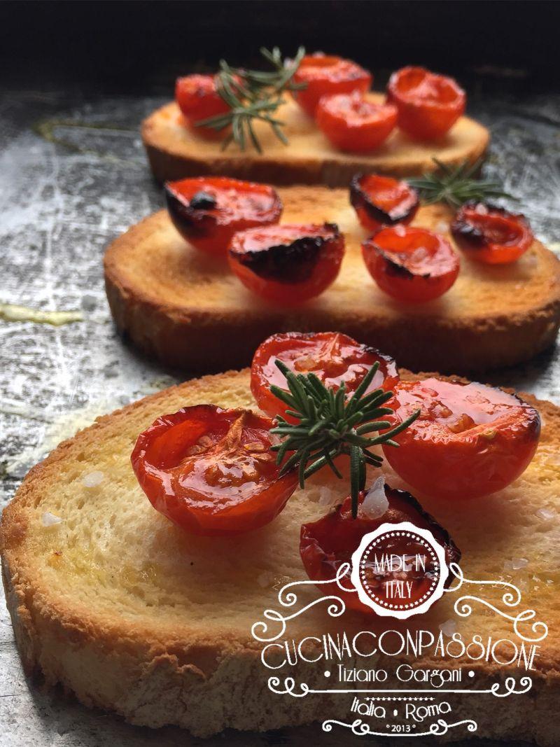 bruschetta con pomodorini Bruschetta con pomodorini confit Brushetta
