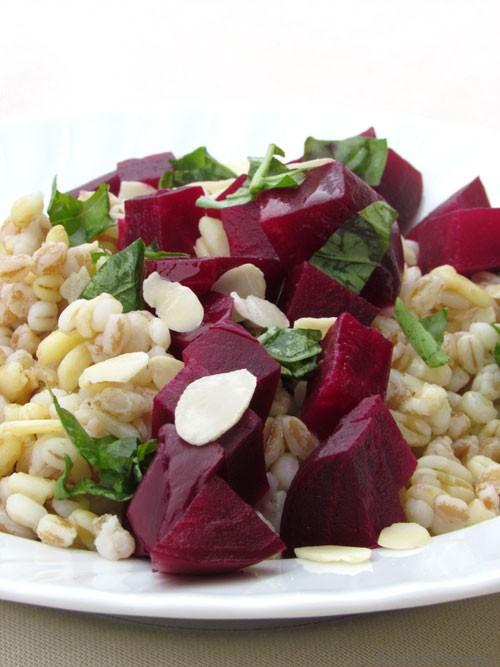 Insalata di cereali misti con rapa rossa  cucinadellanima