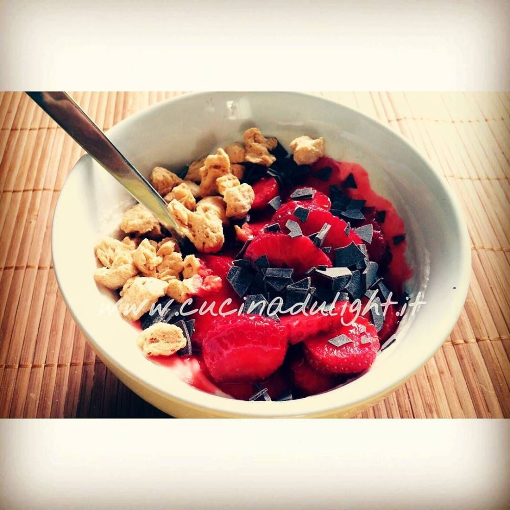 #dulight #cucinadulight #dukandiet #dukan #breakfast #fage #greekyogurt #strawberries #chocolate #soy #waldenfarms