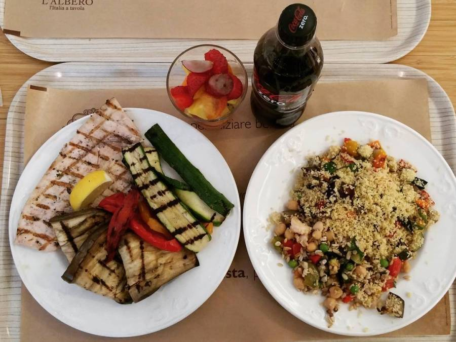 #lunch #cucinadulight #travel #couscous #quasivegan #verdure #veggie #vegetables #avena #pescespada #swordfish #fruitsalad #fruits #cocazero #vividulight