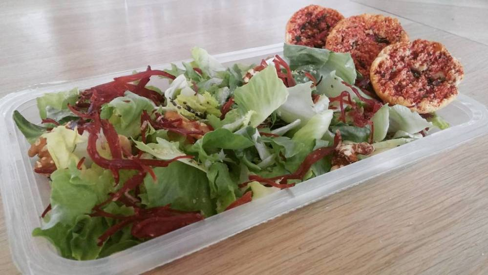 #lunch #salad #insalatona #noci #mandorle #bresaola #chiaseeds #crostini #dukan #diet #quartafase #vegetables #wayoflife #vividulight