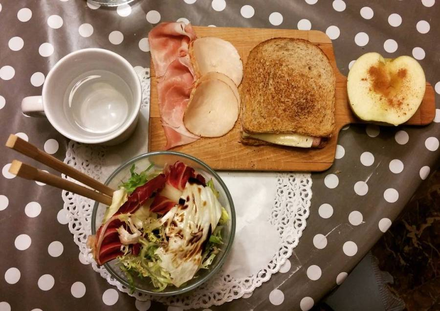 #dinner #lightfood #salad #toast #apple #cinnamon #ham #dukan #diet #dieta #quartafase #vividulight #cibosano #cibosalutare #lowcarb #lowfat #cooking #cheflife #japanese #cucinadulight