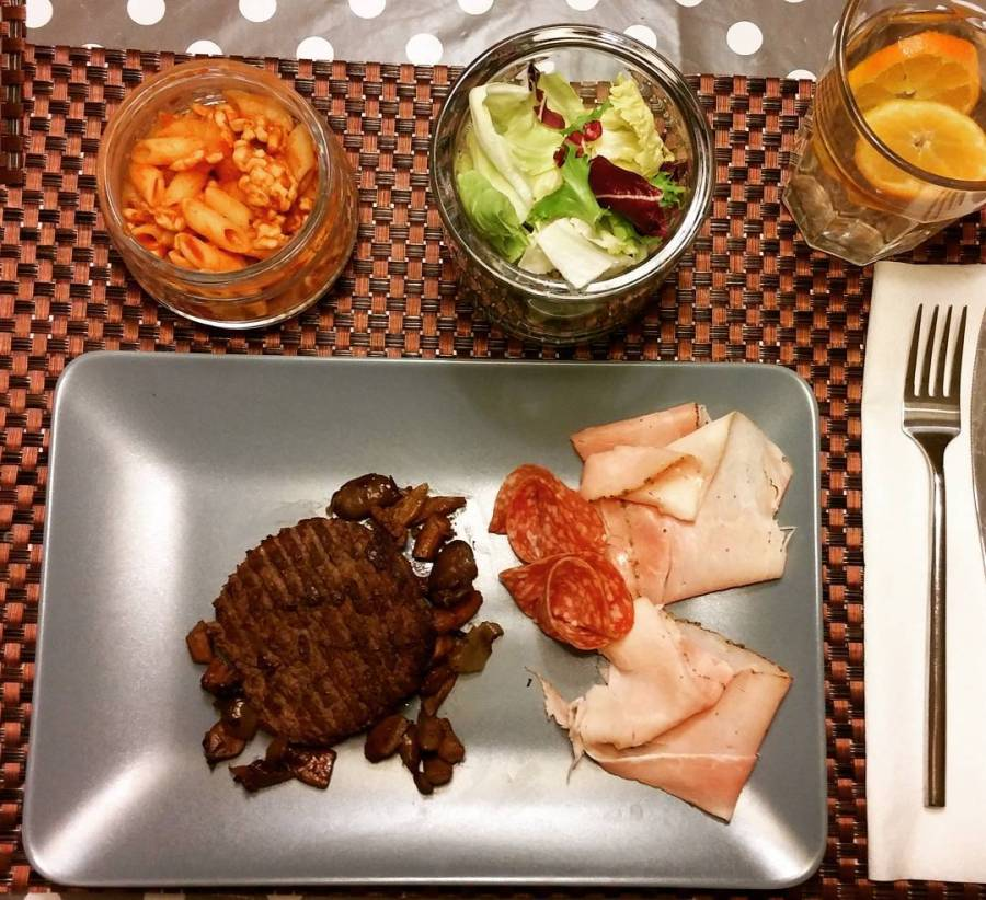 #dinner #dukan #diet #quartafase #hamburger #insalata #prosciutto #salame #pasta #cibosalutare #chef #cheflife #lightfood #cucinaproteica #cucinadulight