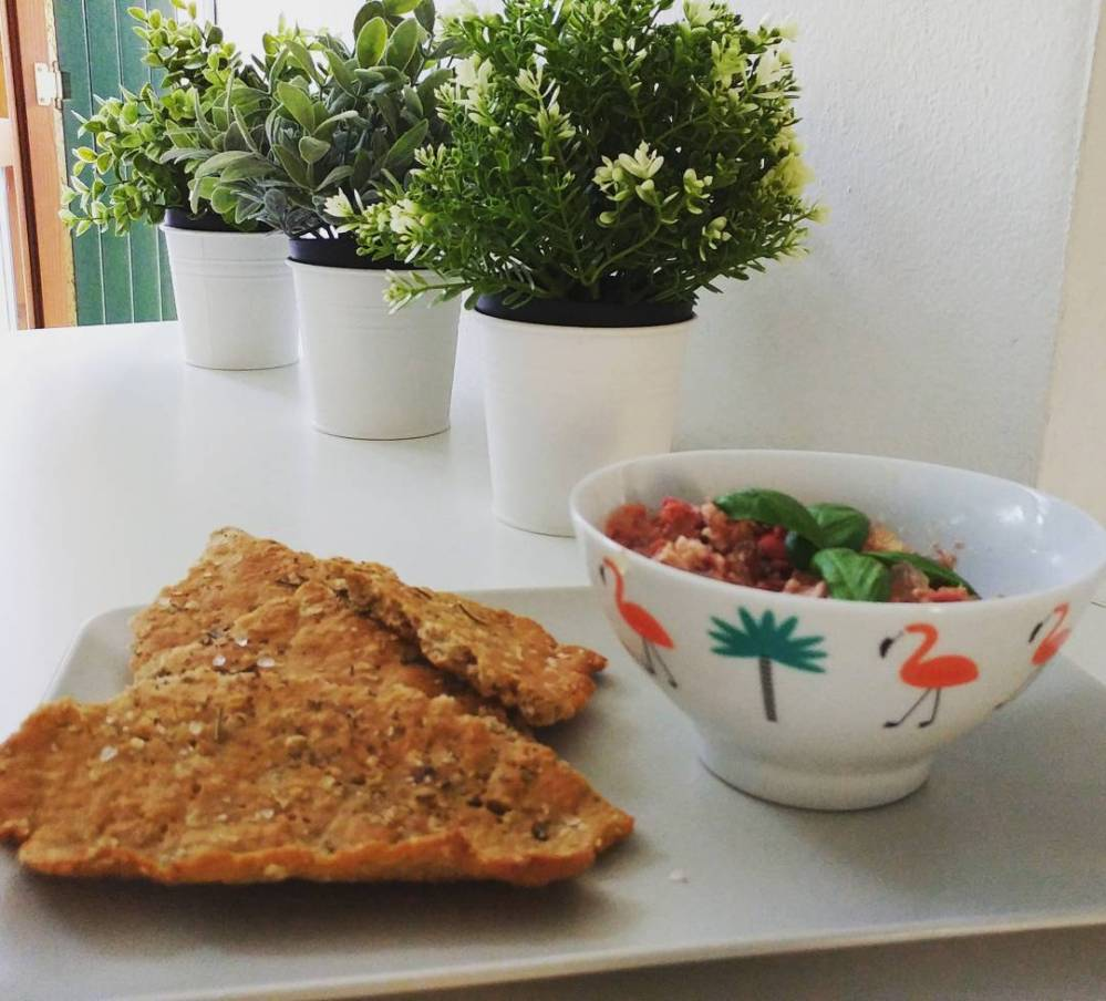 Cena veloce, leggera e fresca! #simmenthal #tonno #peperoni #basilico #focaccia #light #lightfood #dukan #diet #quartafase #spring #cooking #fast & #easy #highprotein #lowcarb #lowfat #fitness #cucinaproteica #cucinadulight