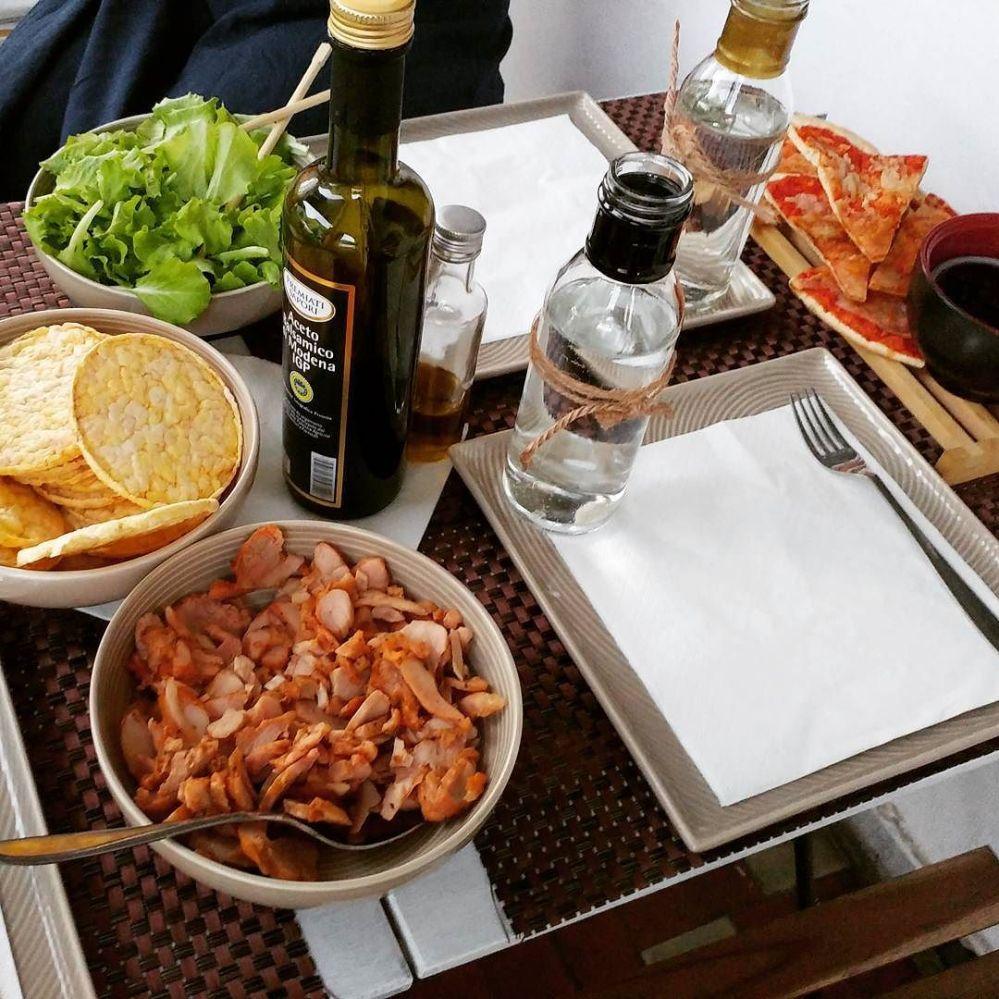 I pranzi dalla mamma ❤ #lunch #mum #mumshouse #kebab #gallette #mais #pizza #ricotta #mirtilli #dukan #diet #quartafase #lowcarb #lowfat #fitfood #lightfood #cucinaproteica #chef #cheflife #bellezza #cucinadulight