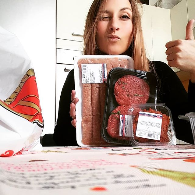 Giretto da Prunk per la carne slovena!😁 #prunk #carne #puledro #cevapcici #tartare #dukan #diet #dieta #dukanitalia #protein #highprotein #lowcarb #lowfat #lightfood #fitness #hamburger #trieste #triestesocial #slovenia #weightloss #detox #benessere #chef #cucinaproteica #cucinadulight
