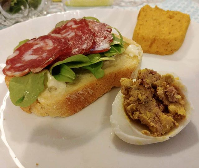 #pasquetta #pasquetta2018 #salame #insalatina #pane #uova #tartara #polenta #brescia #bresciafood #cucinabresciana #dukan #quartafase #festa #easter #foodblogger #semplicita #easylife #lifestyle #benessere #cucinaproteica #cucinadulight