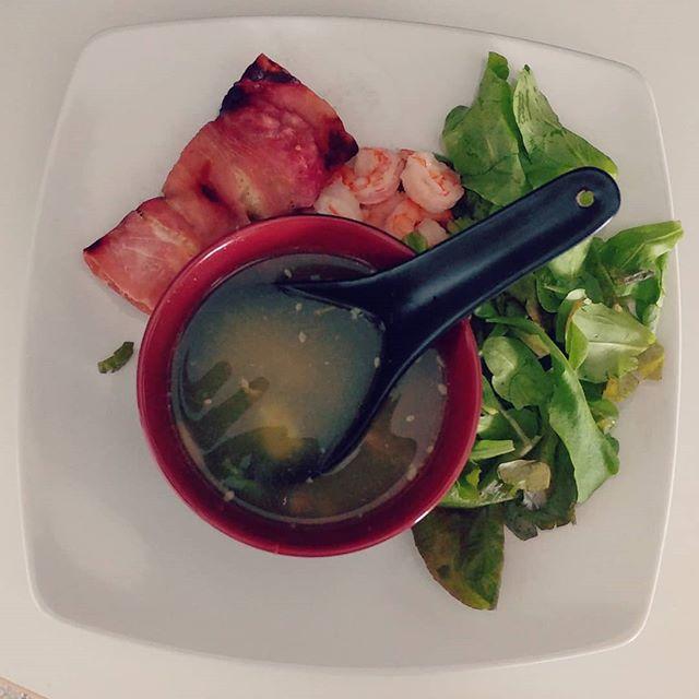 Pranzo dalla mamma!💐💐💐 #brodo #brododipollo quello vero! #insalata #gamberi #involtino #prosciutto #dukan #diet #dieta #lightfood #fitness #fitfood #benessere #protein #quartafase #cucinaproteica #cucinadulight