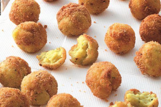 Cucculli de patatte (Crocchette di patate)