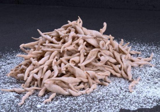 Troffìe di farina di castagne col pesto