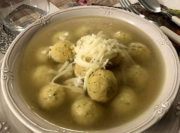 Suppa co-e porpette (Zuppa con le polpette)