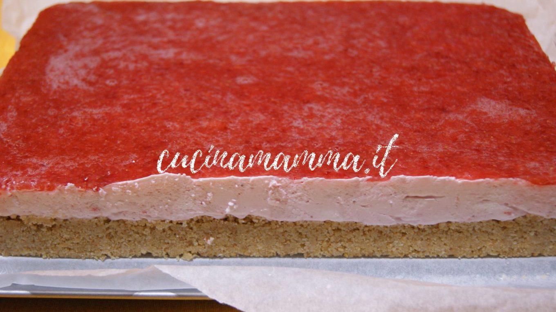 Cheesecake con ganache alle fragole