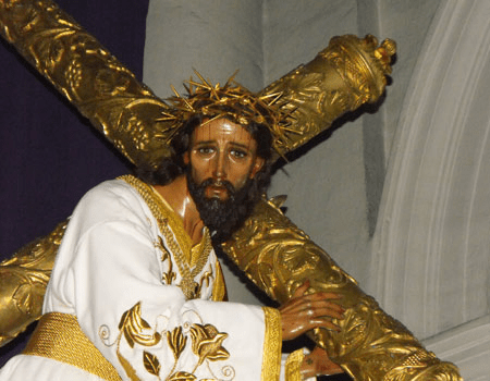 Jesús del Consuelo en su dosel