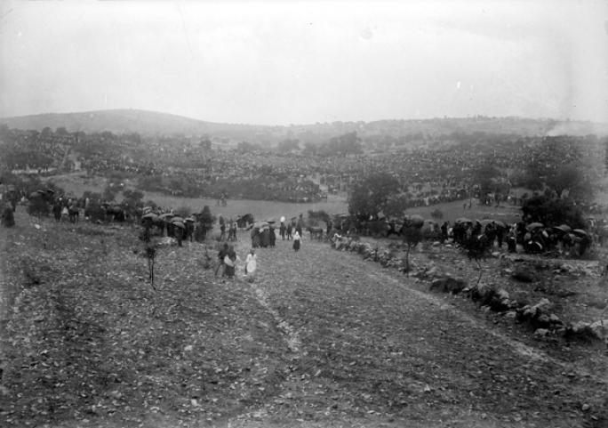 Católicos y No católicos empezaban a llegar a Cova de Iría