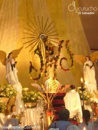 Altar para Jesús Eucaristía (Fotografía: Daniel Castellón)
