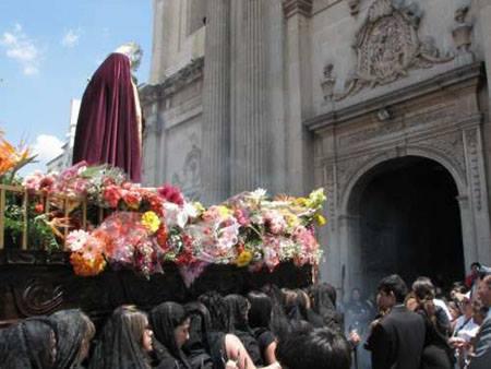 andas procesionales de Jesús de la Merced y Virgen de Dolores, la Reseña. Foto: Wilfred Monroy.