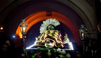 recorrido procesion escuela de cristo con el señor sepultado en noviembre