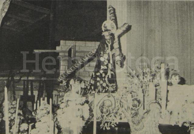 Bodas de Plata de la Procesión del Silencio, nótese el Templo de San José aún en construcción en el año 1979. Foto Hemeroteca PL