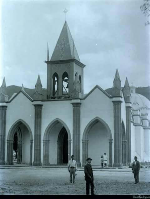 Iglesia de San Felipe de Jesús, donde está el señor sepultado de san felipe