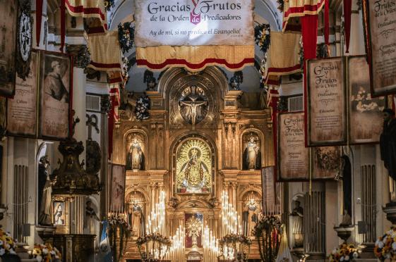 Basílica del Rosario en el mes de octubre