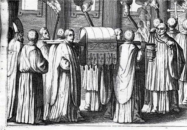 Imagen 12, procesión con las reliquias en el nuevo templo