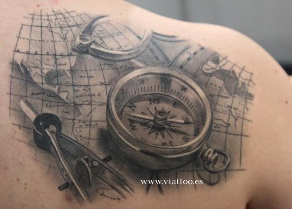 """Résultat de recherche d'images pour """"compass tattoo"""""""