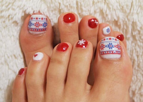 In This Toe Nail Art Design Two Nails Have Been Done As Accent That Is Painted A Colour Diffe From The Rest Patterns Drawn Need Some