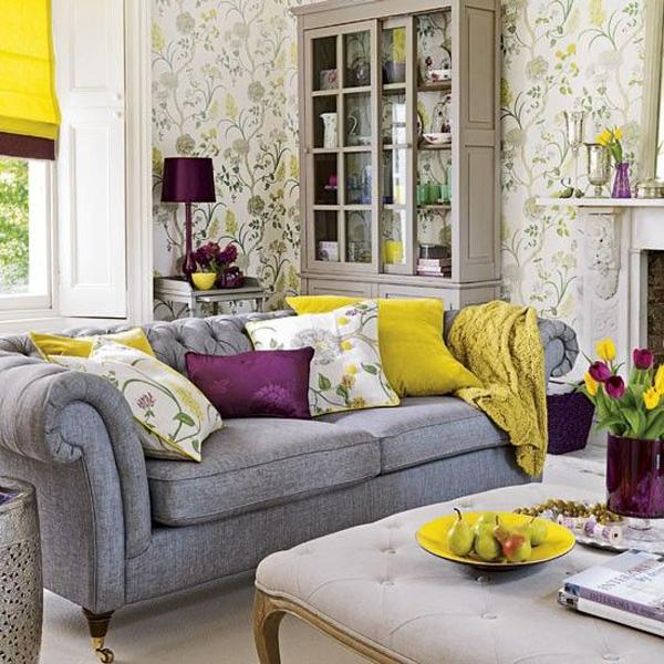 Yellow and green, purple and black… a wonderful LIVING room.
