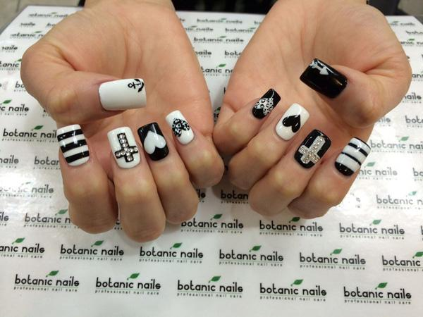 Black And White Plaids Nail Art Design Be Diffe Your