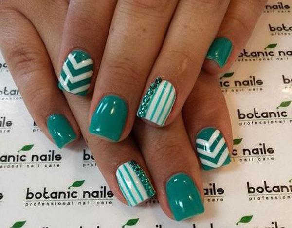 Dip Your Nails In Teal With This Fashionable Looking Nail Art Design