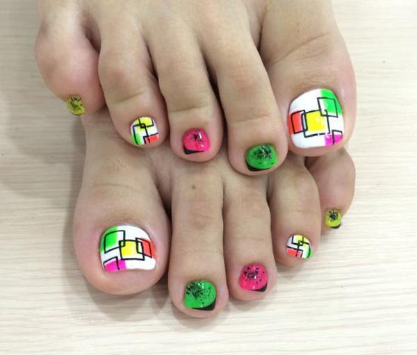 A Fun And Adorable Looking Toenail Art Design Have This Bination Of White