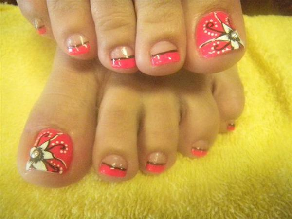 Toe Nails With White Tip And Blue Flowers Design Idea