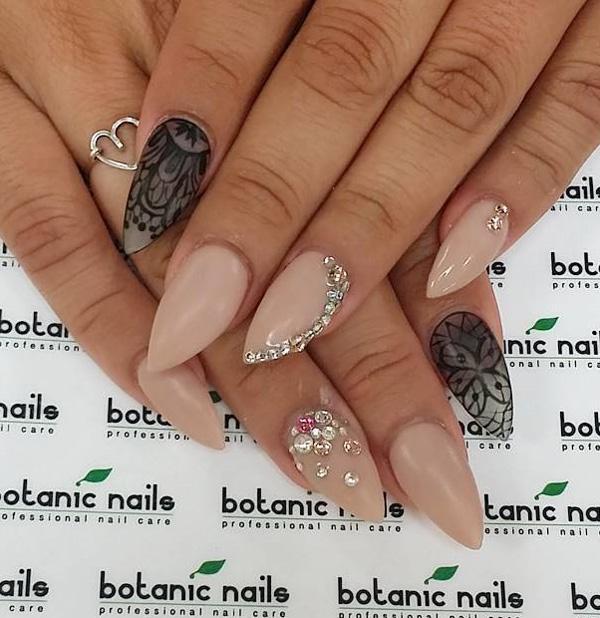 almond-nail-art-15