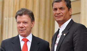 Correa (right) with Colombian President
