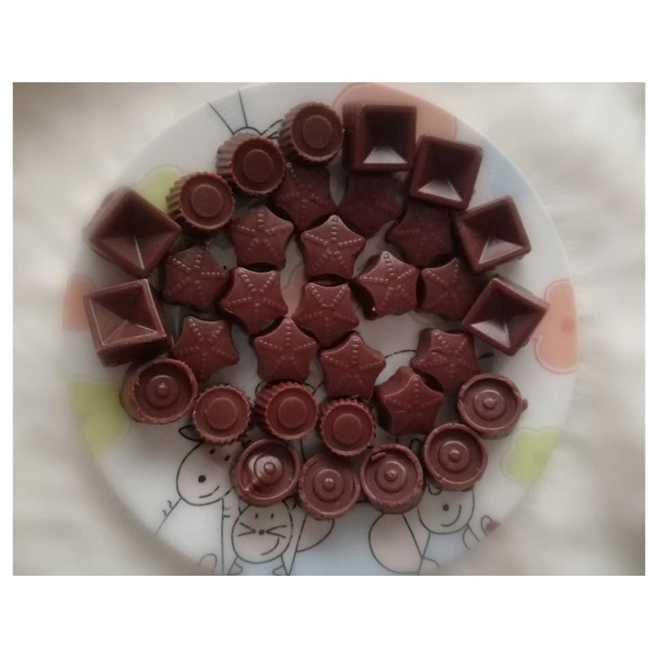 Resultado final de los primeros bombones de chocolate que hicimos