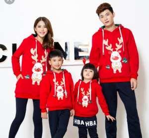 ropa para las fiestas. Jersey rojo reno para la familia