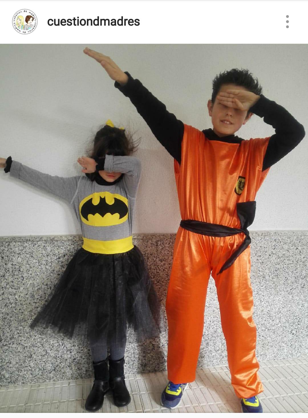 Disfrazarnos de Batman. Foto del disfraz el día de la fiesta del colegio