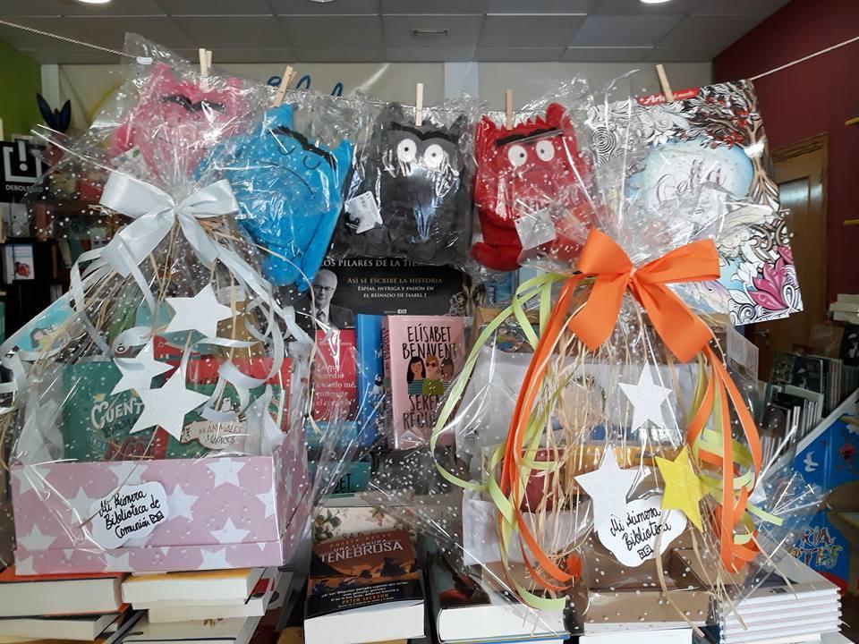 10 regalos de Comunión. Una cesta llena de libros