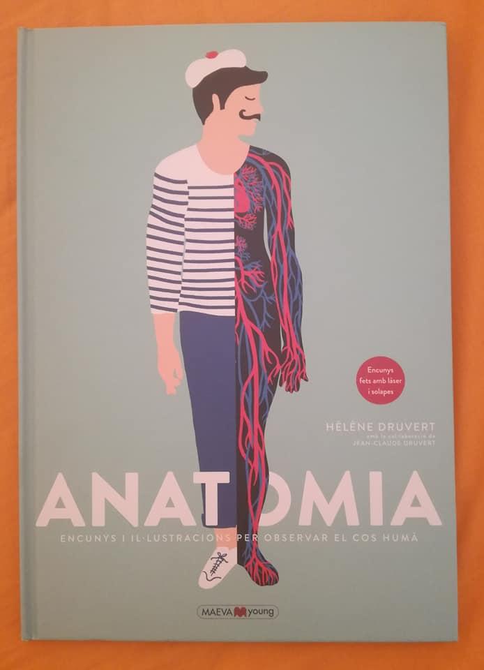 Un libro muy especial que no puede faltar en una biblioteca de Comunión es el álbum ilustrado Anatomía